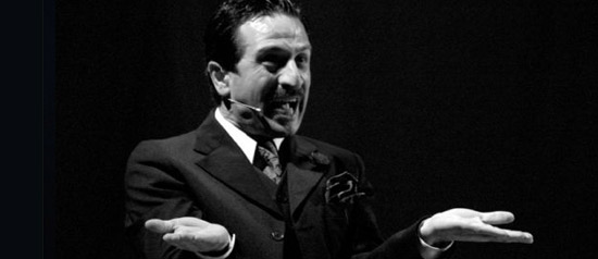 """Ippolito Chiarello """"Oggi sposi"""" al Teatro Modugno di Aradeo"""