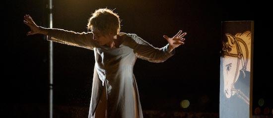 """Elisabetta Pozzi è """"Giovanna D'Arco"""" al Teatro Arlecchino di Voghera"""
