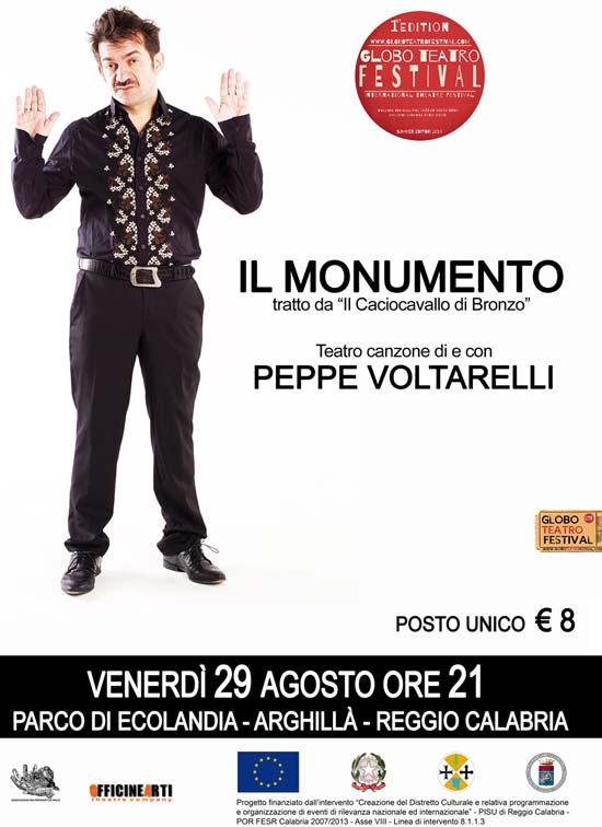 Il  monumento, Peppe Voltarelli al Globo Teatro Festival a Reggio Calabria