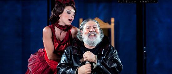 """Lello Arena """"L'avaro"""" al Teatro Puccini ad Altopascio"""