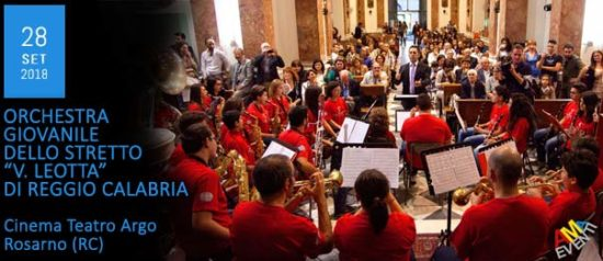 """Orchestra giovanile dello stretto """"Vincenzo Leotta"""" al Cinema Teatro Argo a Rosarno"""