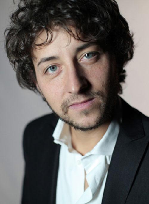 """Adriano Pantaleo """"Love bombing"""" al Teatro Comunale di Treia"""