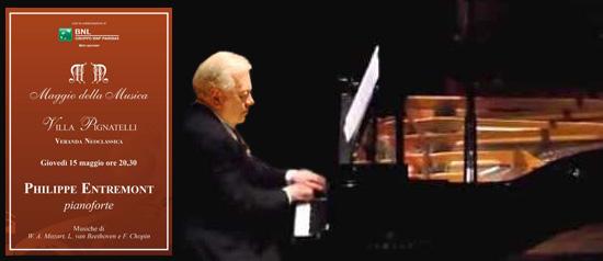 Philippe Entremont al pianoforte a Villa Pignatelli a Napoli