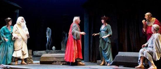 """Tato Russo """"Menecmi – La commedia degli equivoci""""al Teatro Savoia di Campobass"""