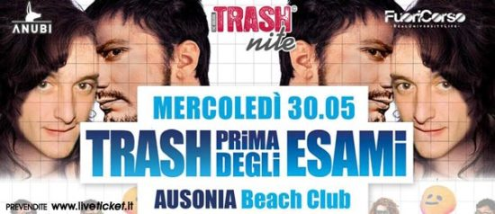 Trash prima degli esami all'Ausonia Beach Club di Trieste